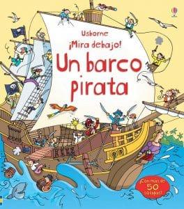¡Mira debajo! Un barco pirata