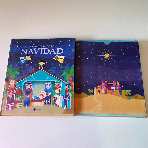 La Historia de la Navidad (abierto)